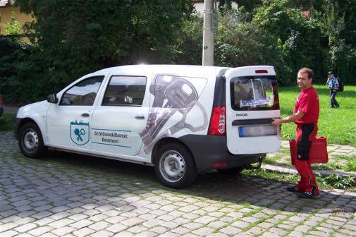 Dienstwagen vom Aufsperrdienst Bremen
